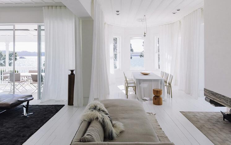 Harbour-Edge-House-Fearon-Hay-Simon-Wilson-Est-Living-Room