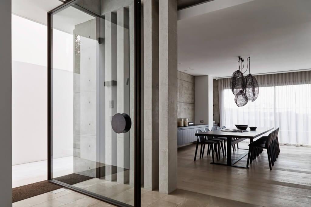 Est-Living-Lawless-Meyerson-Steel-Frame-Doors-Wentworth-House9