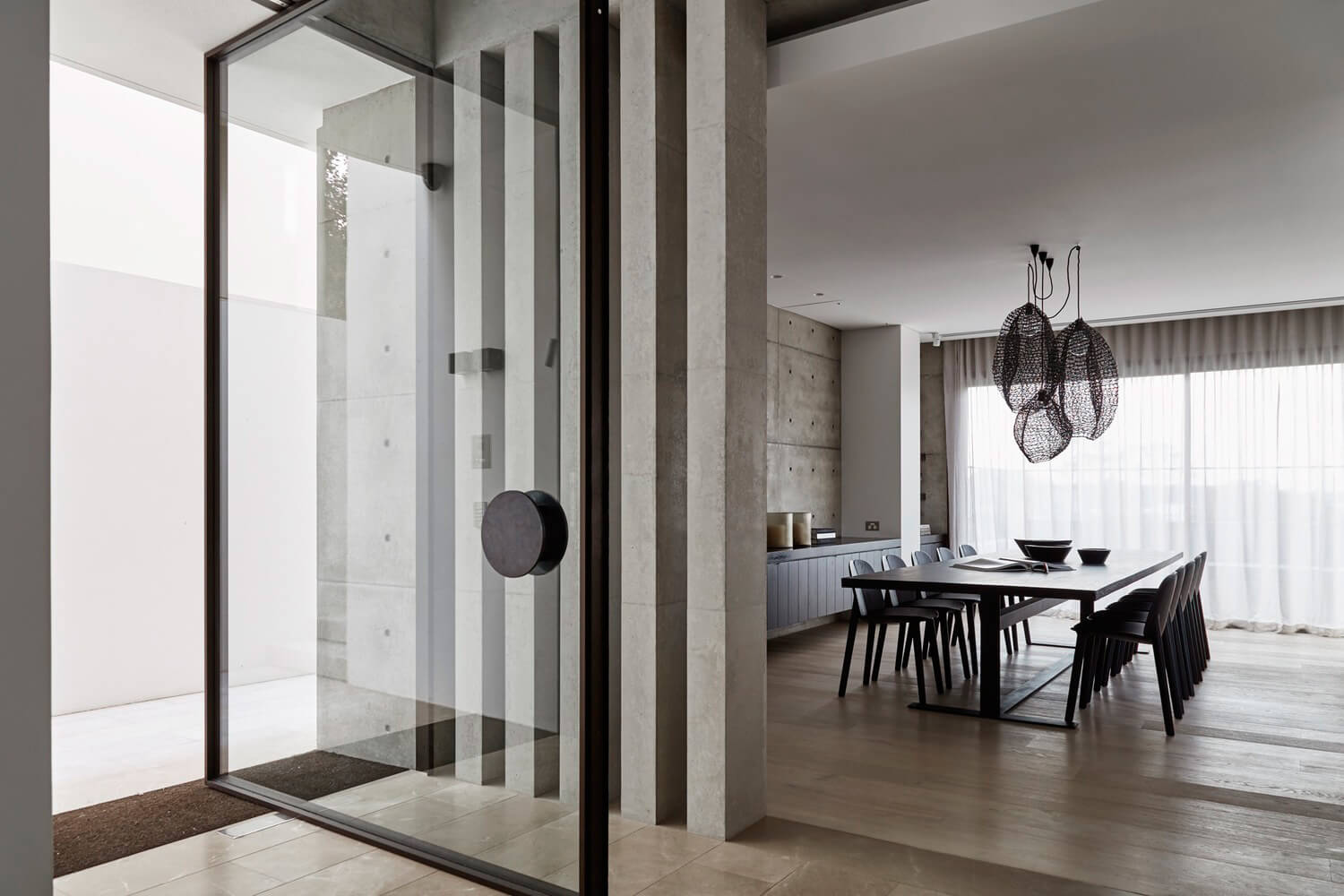 Est-Living-Lawless-Meyerson-Steel-Frame-Doors-Wentworth-House9