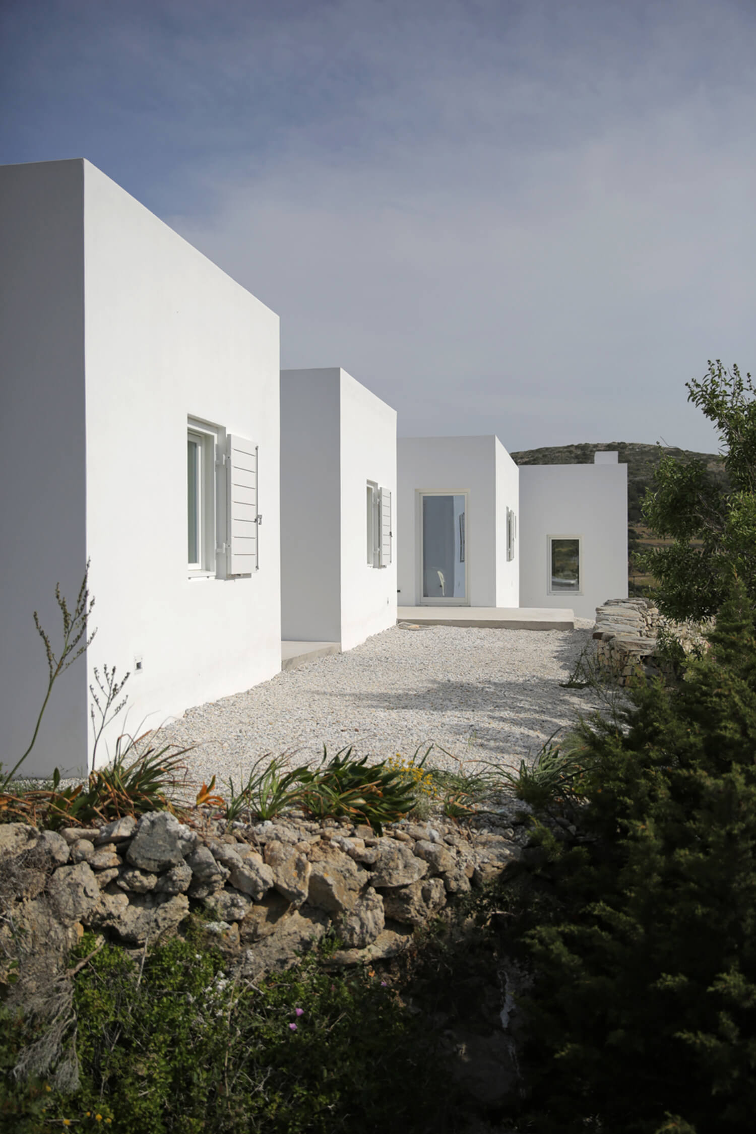 Est-Living-Maison-Kamari-Paros-Greece-Ext.01
