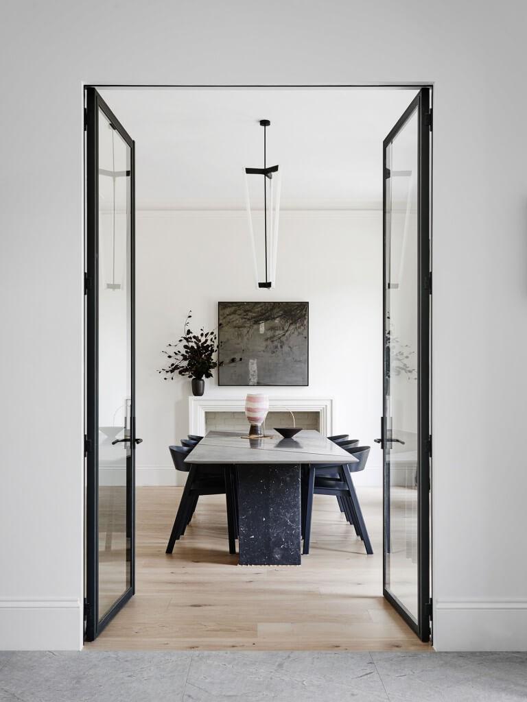 Est-Living-RobsonRak-Toorak2-House.Dining-Doors
