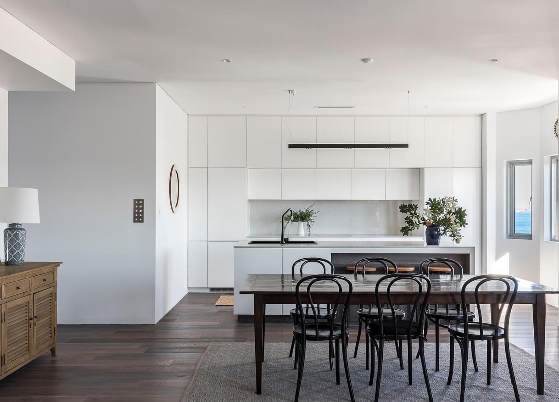 est-living-open-house-bondi-apartment-simon-baker-denny-mcgrath.04