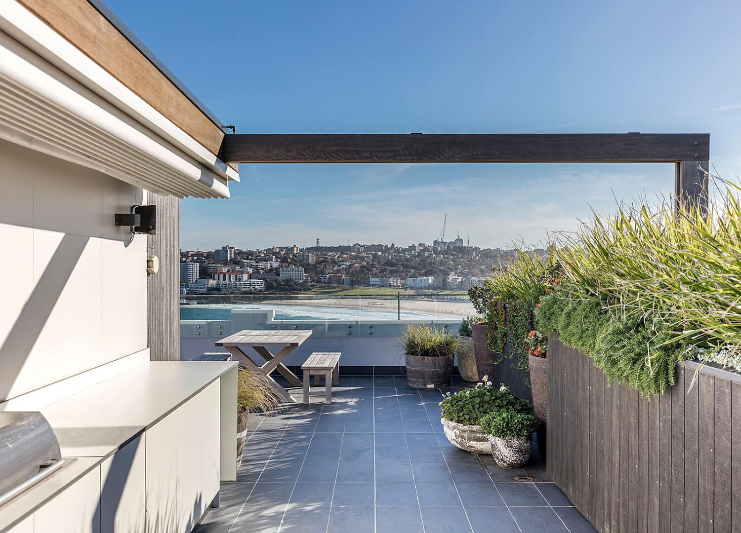est living open house bondi apartment simon baker denny mcgrath.12