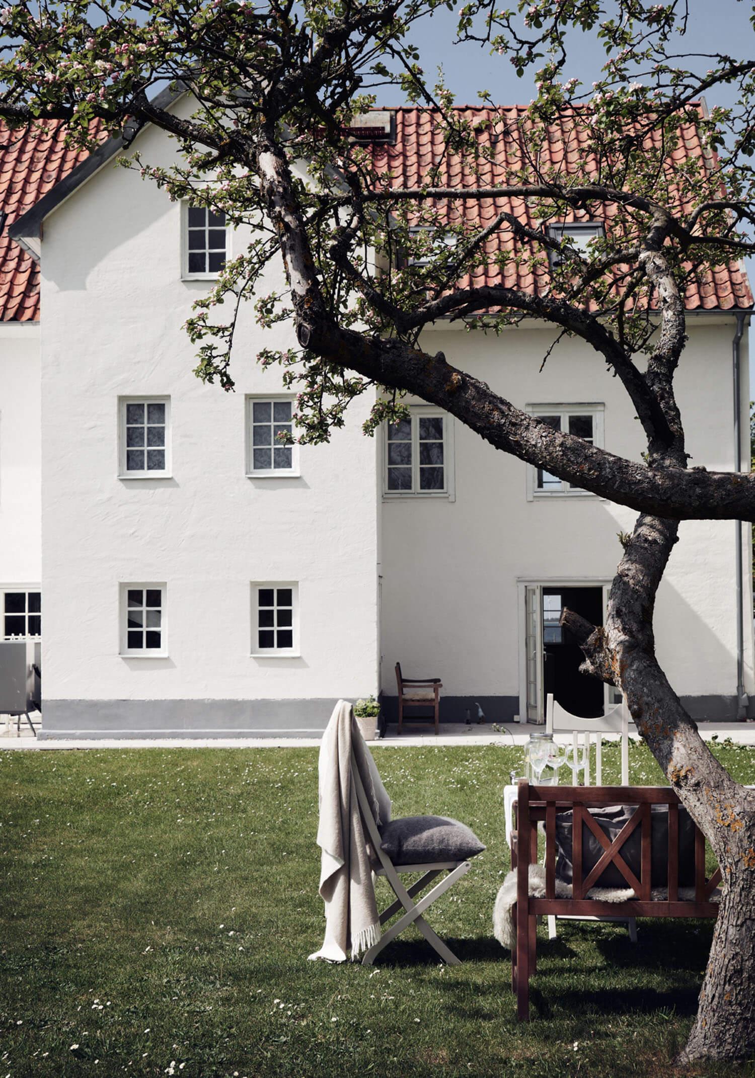 est-living-island-home-in-sweden.12