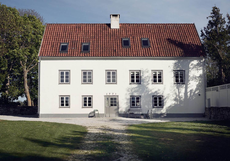 est-living-island-home-in-sweden.15