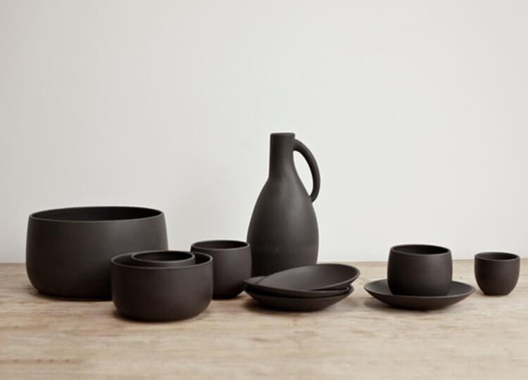 est living design directory black ceramic jug ay lighting.01 750x540