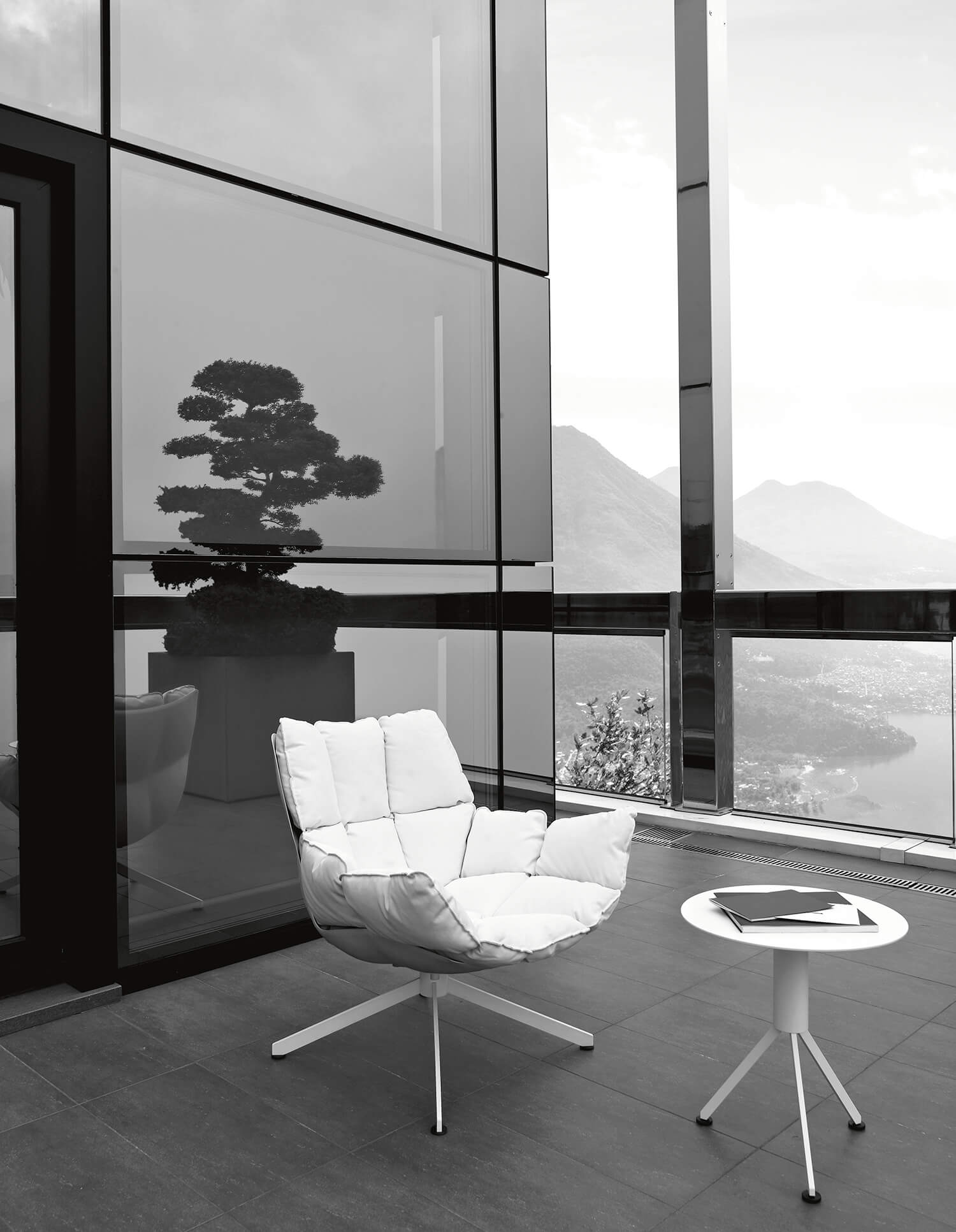 est living husk outdoor space furniture.01