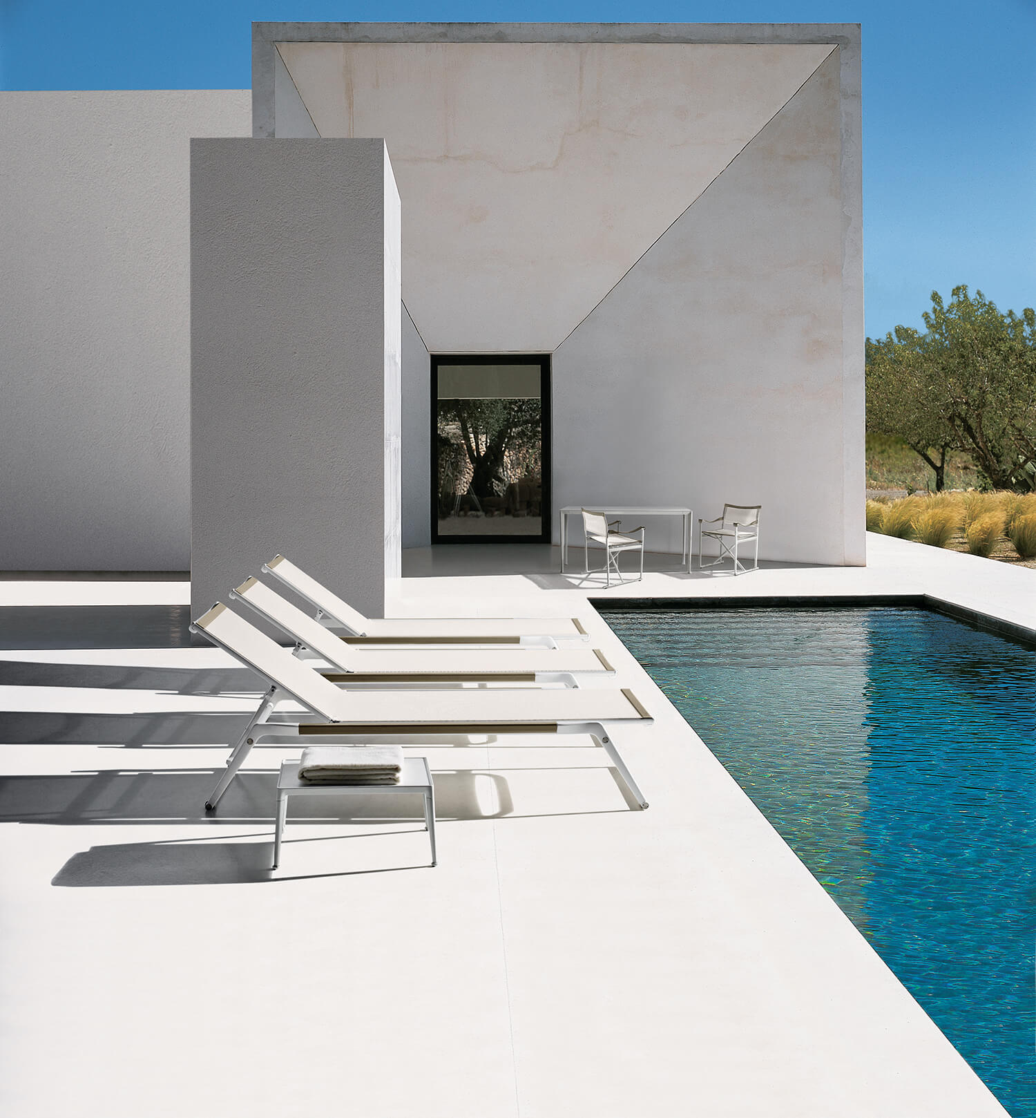 est living mirto space furniture outdoor