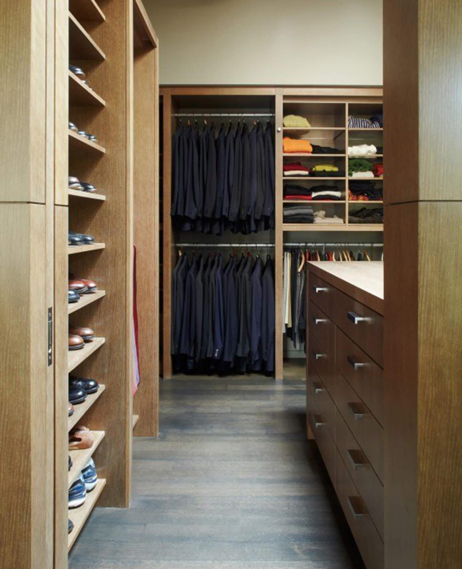 est living olson kundig northwood home wardrobe 1