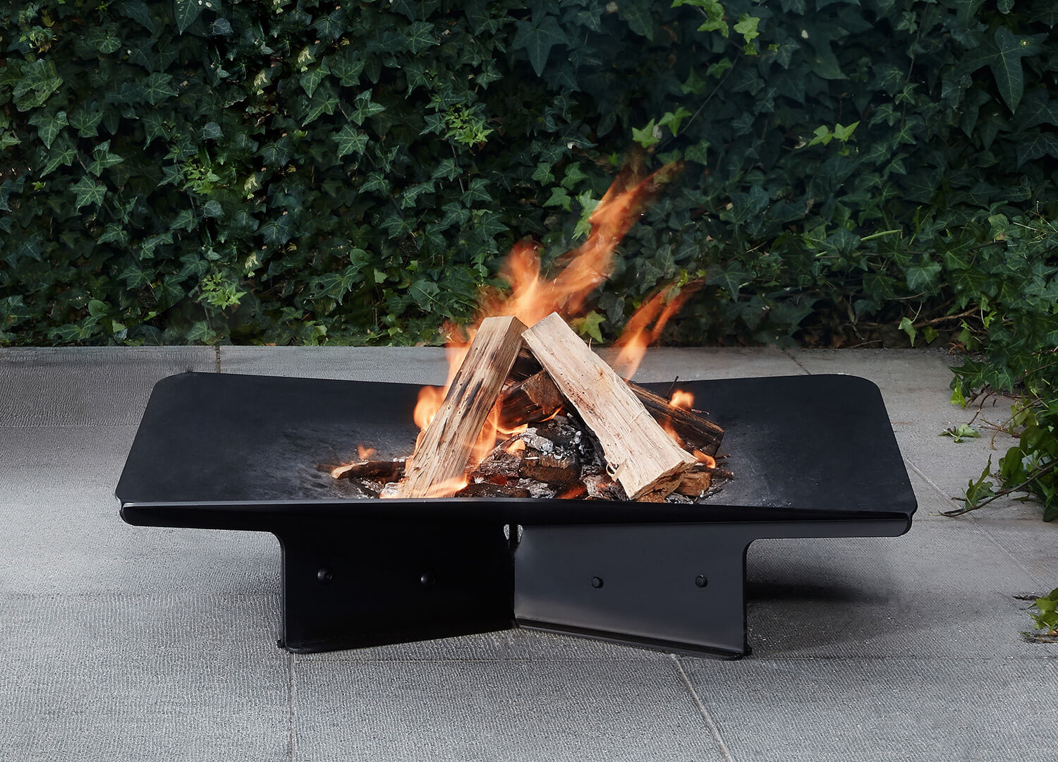 est living design directory Tait Element Firepit 01
