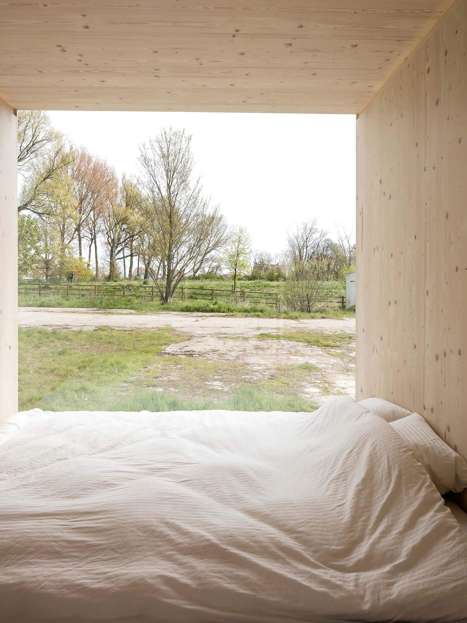 est living ark shelter.05