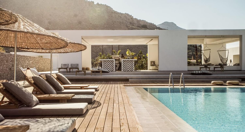 casa cook est living. Black Bedroom Furniture Sets. Home Design Ideas