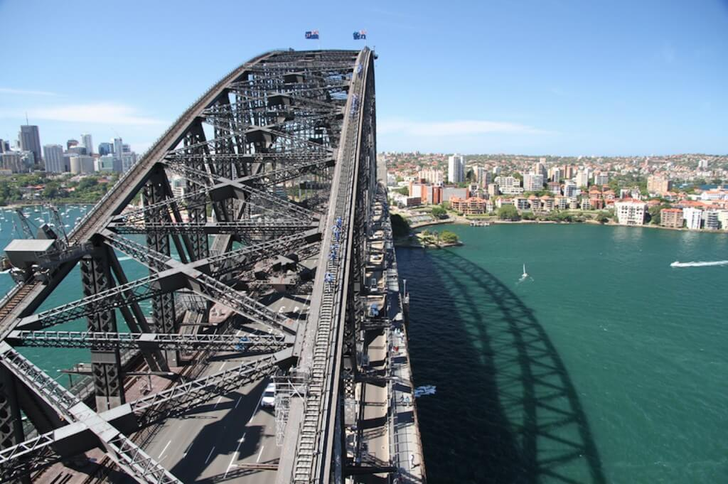 est-living-48-hours-sydney-guide-bridge-climb-expedia