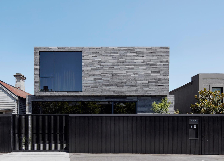 Lavastone House by B.E Architecture | Est Living
