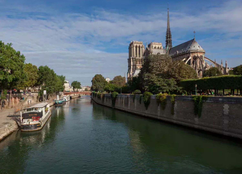 est living travel paris guide homes left bank quai de la tournelle 2
