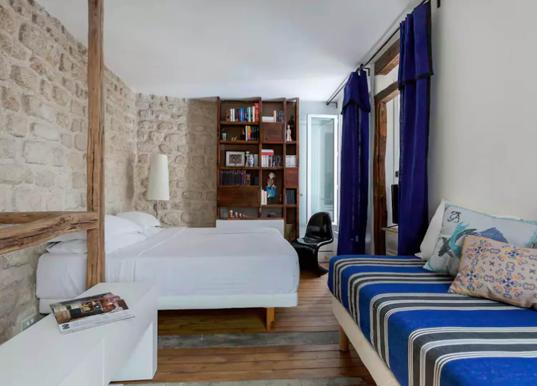 est living travel paris guide rue tholoze 6