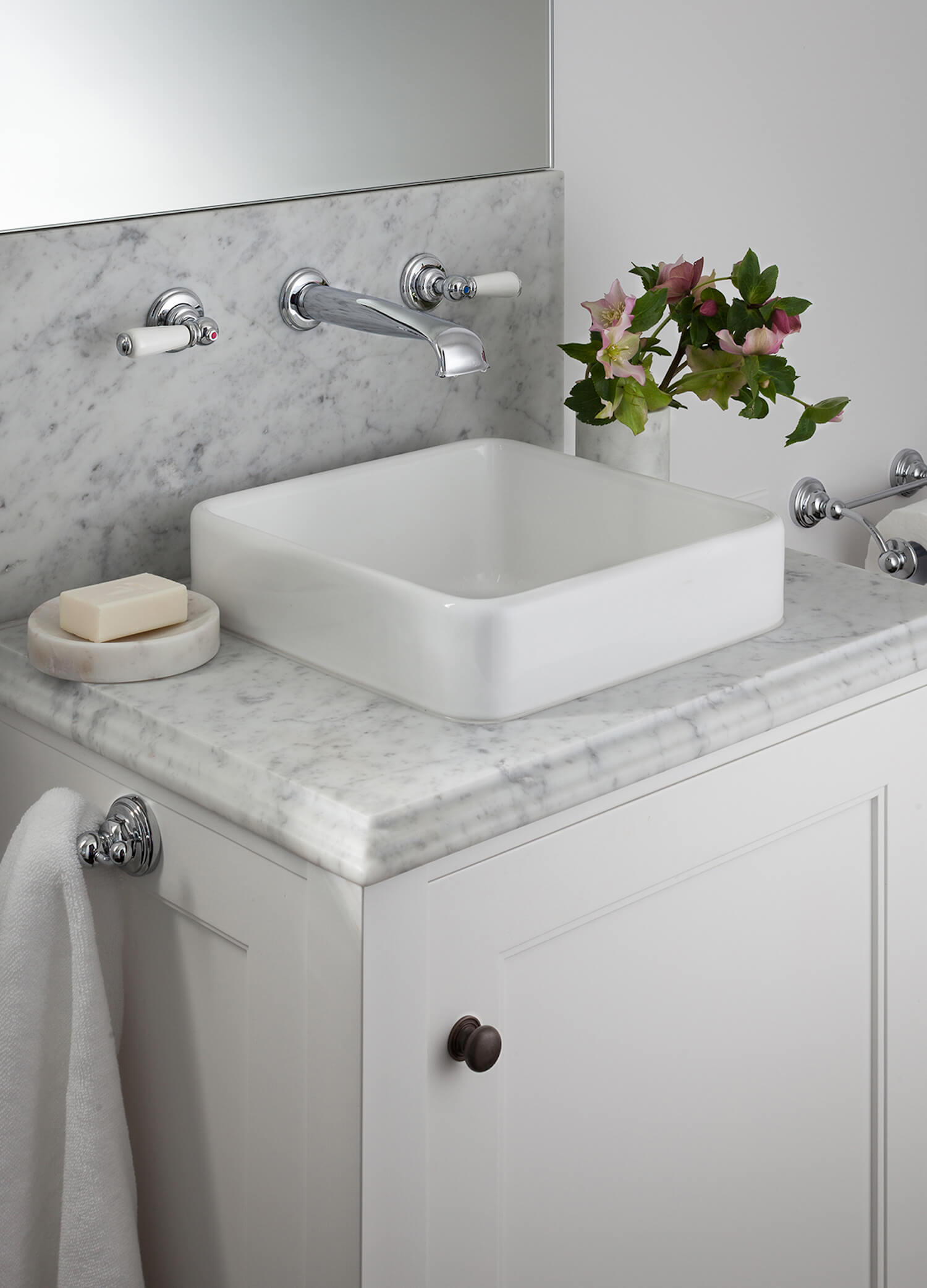 est living get the look marble bathroom english tapware 1