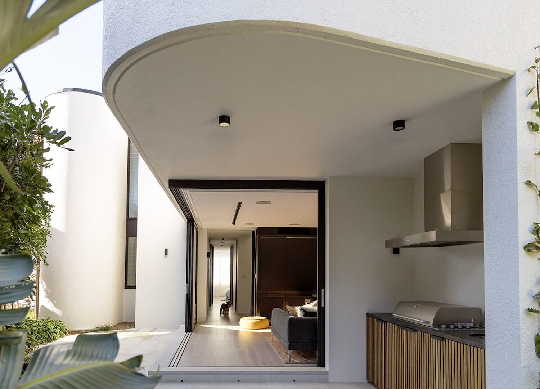 est living interiors tamarama house 2 e1484791894665