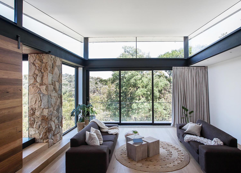 Warrandyte Home by Alexandra Buchanan | est living