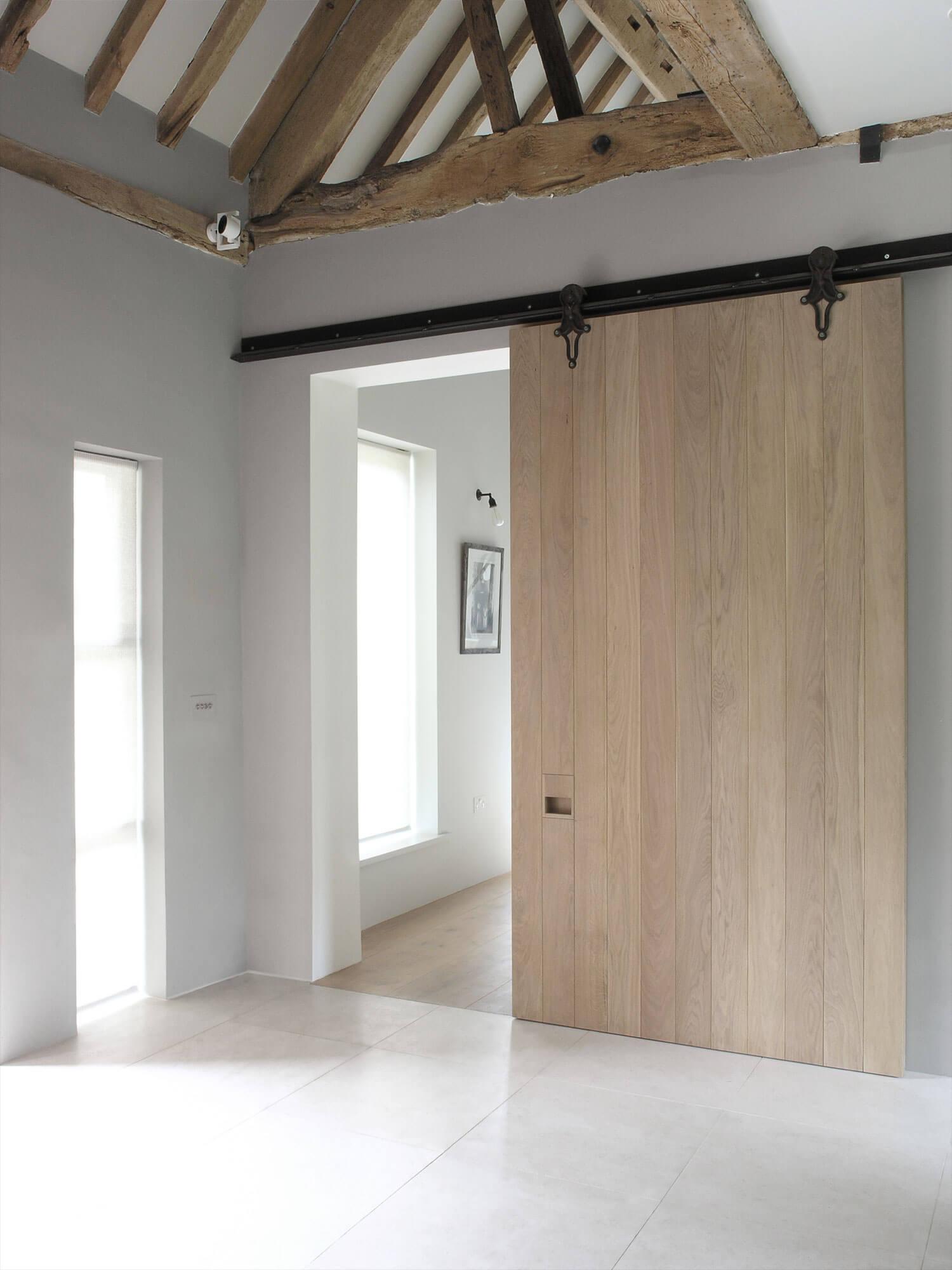 est-living-maclaren-excell-park-corner-barn-19
