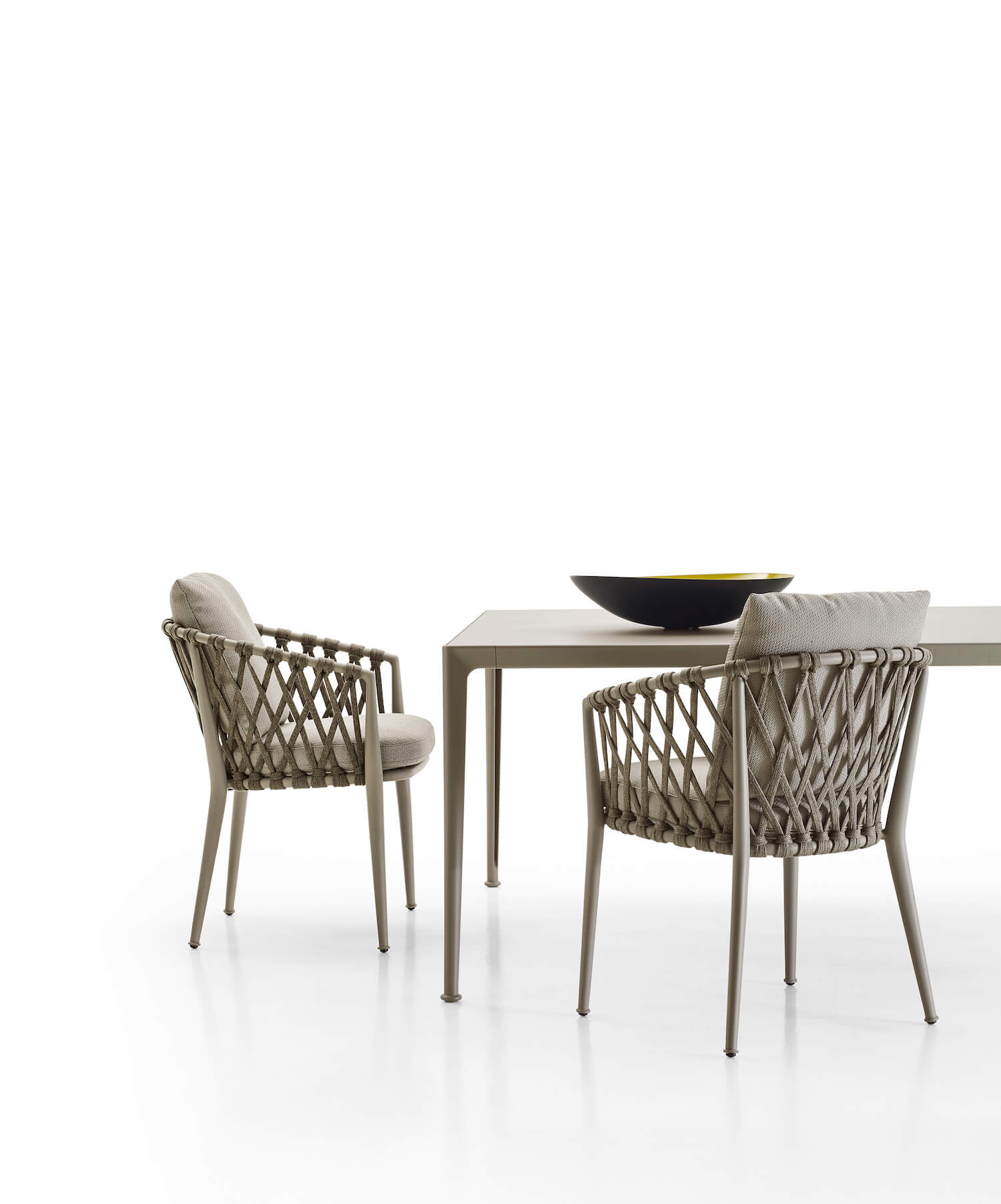 est living | B&B Italia outdoor collection | Space Furniture