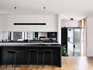 Kitchen: Point Lonsdale Home
