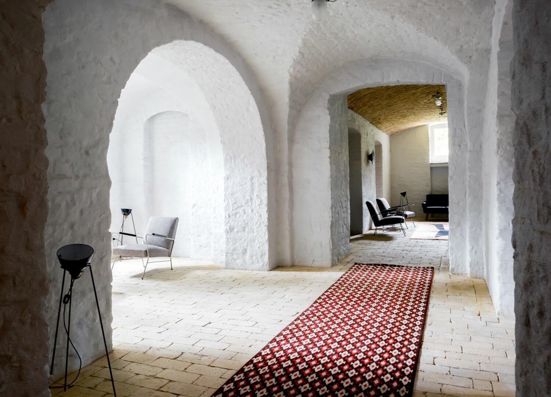 est living interiors berlin summer house loft kolasinkina 11