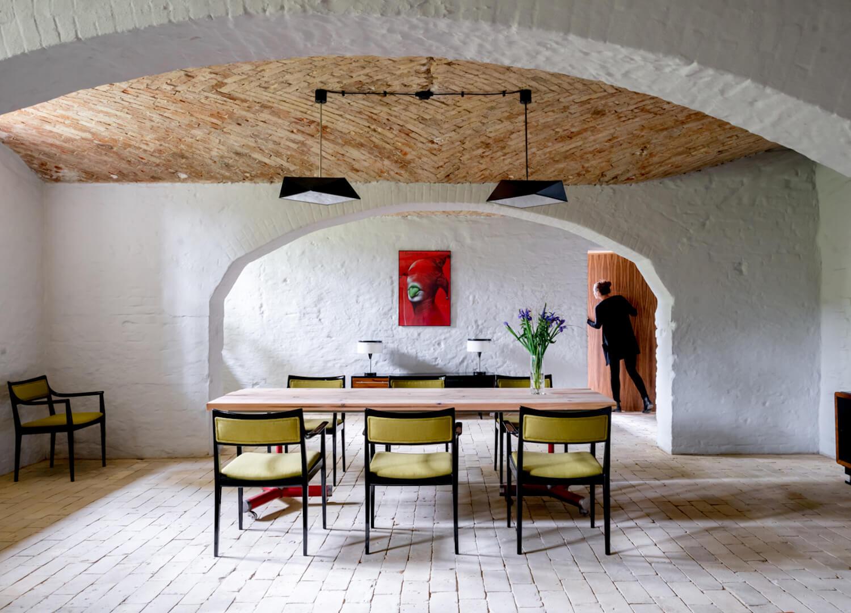 est living interiors berlin summer house loft kolasinkina 14