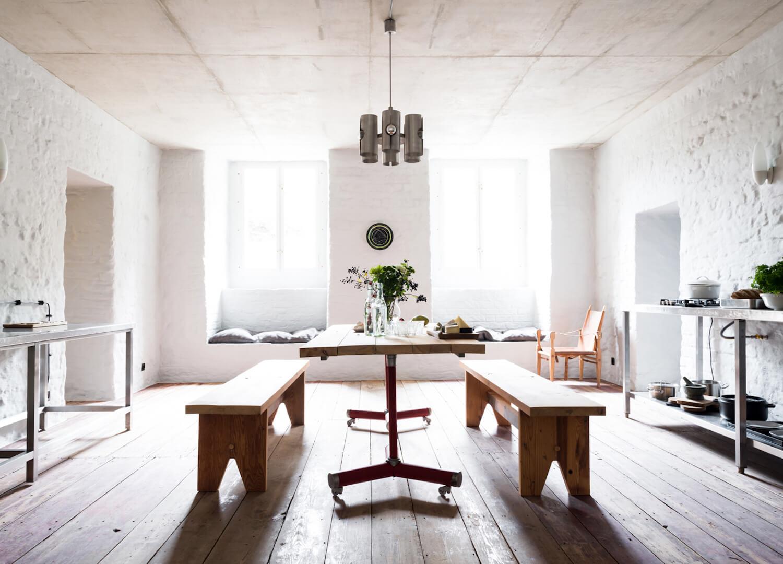 est living interiors berlin summer house loft kolasinkina 3