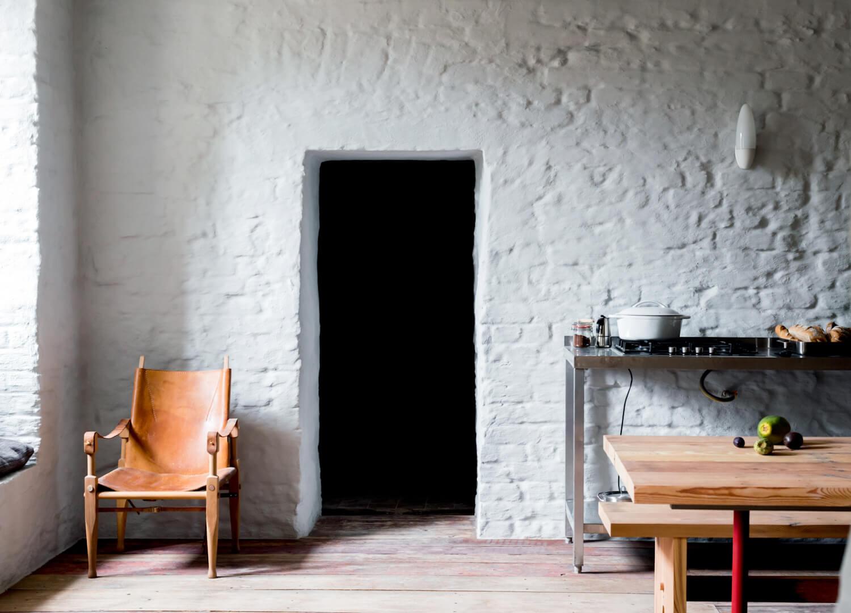est living interiors berlin summer house loft kolasinkina 7