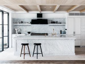 Kitchen: Iluka House by Alexander & Co