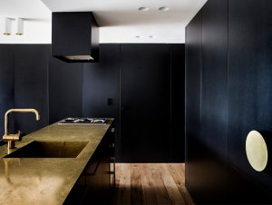 Kitchen: The Finger Wharf Apartment by Architect Prineas