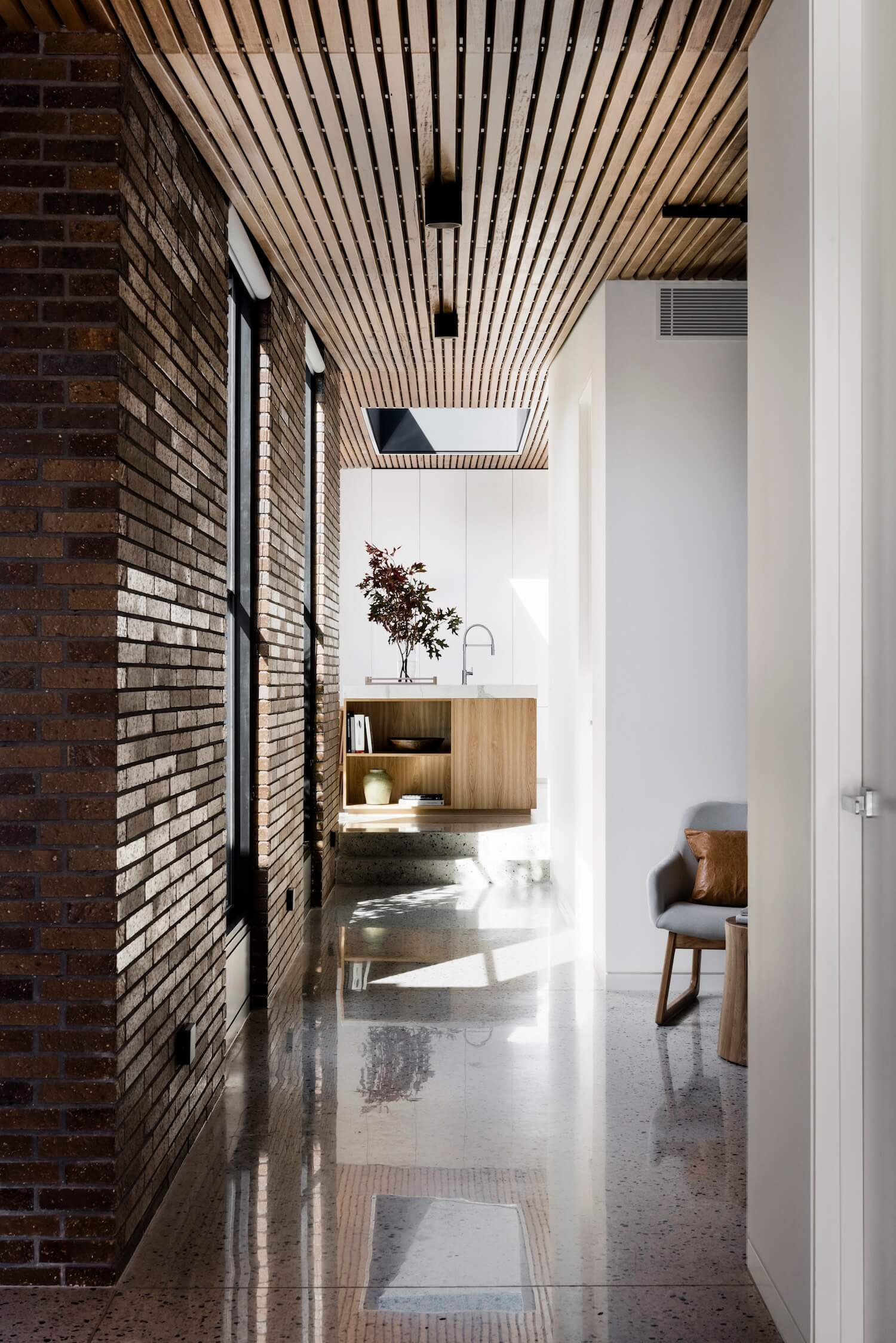 est living interiors figr architecture courtyard house 2