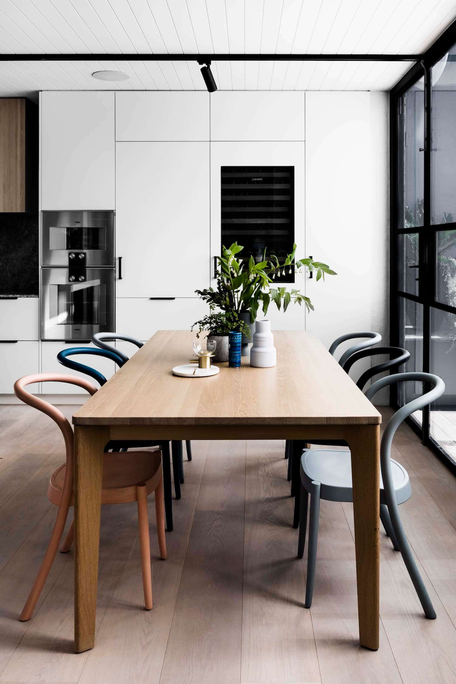 est living interiors techne architects bell st residence 13