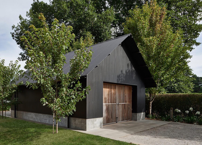Macedon Ranges home Adam Kane Architects est living 02