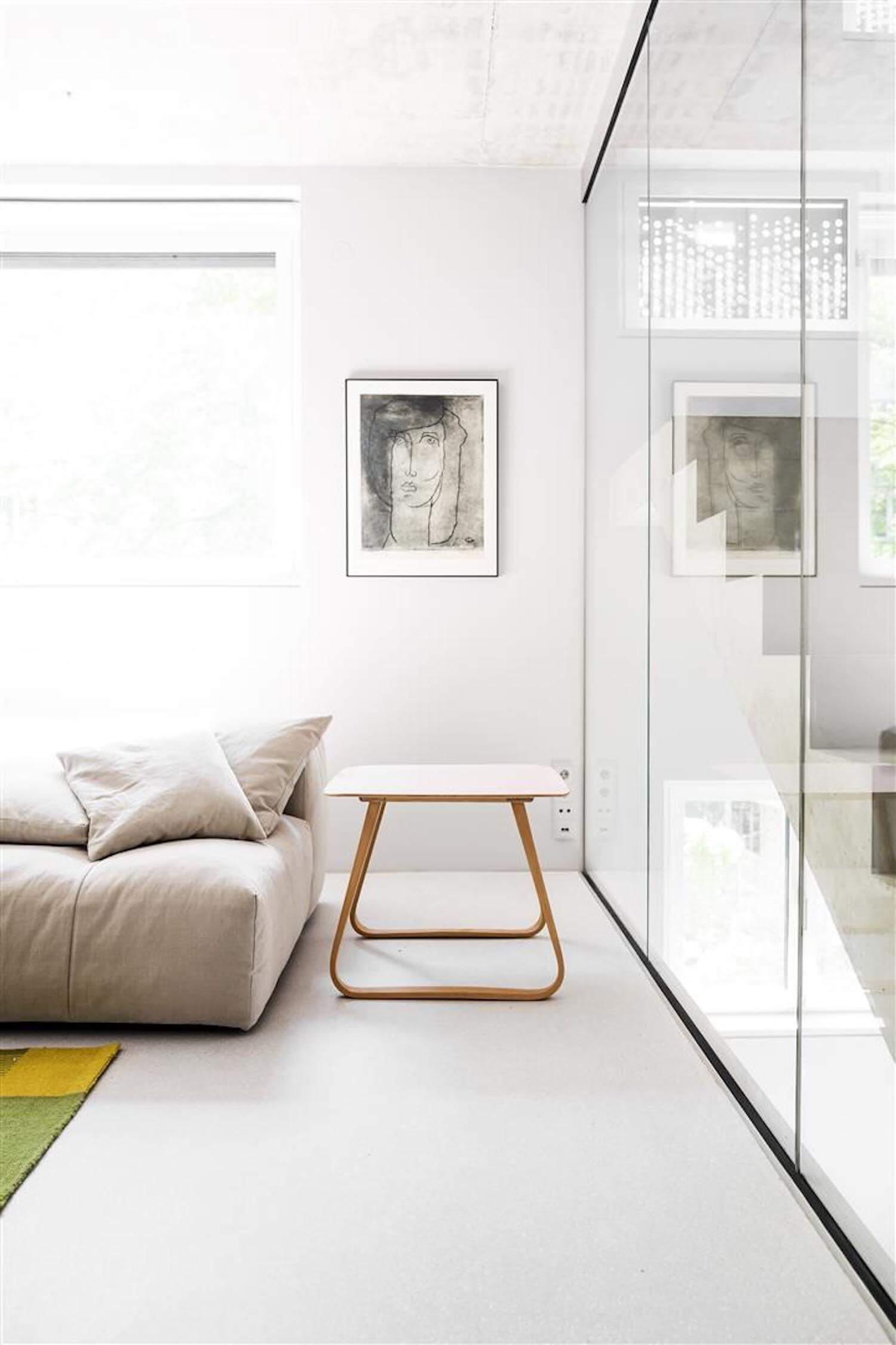 prenzlauer berg residence by loft kolasinski est living. Black Bedroom Furniture Sets. Home Design Ideas