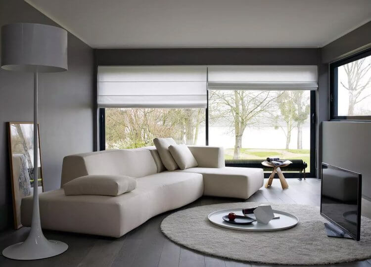 Bend Sofa Space