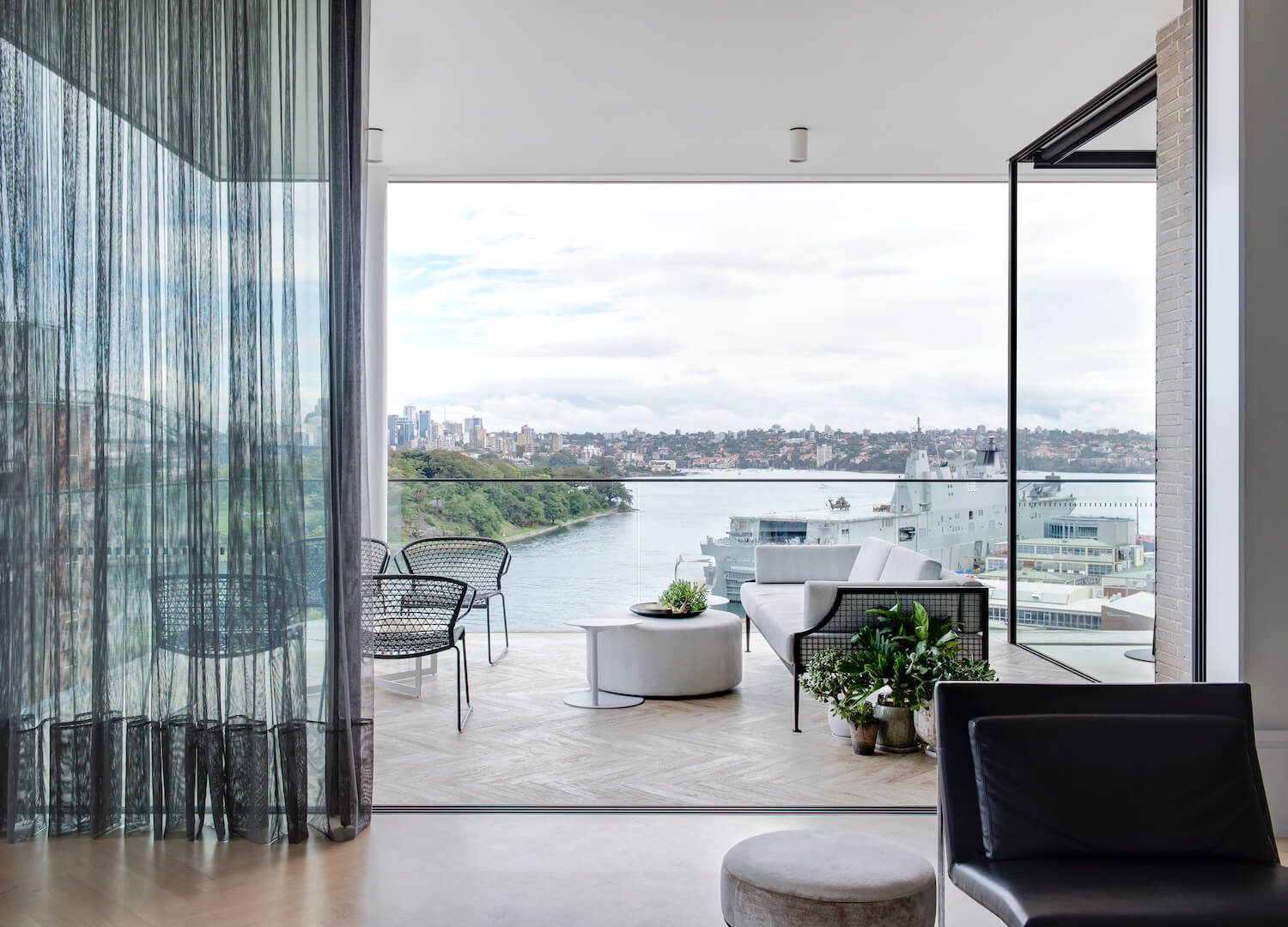 est living interiors potts point penthouse 9