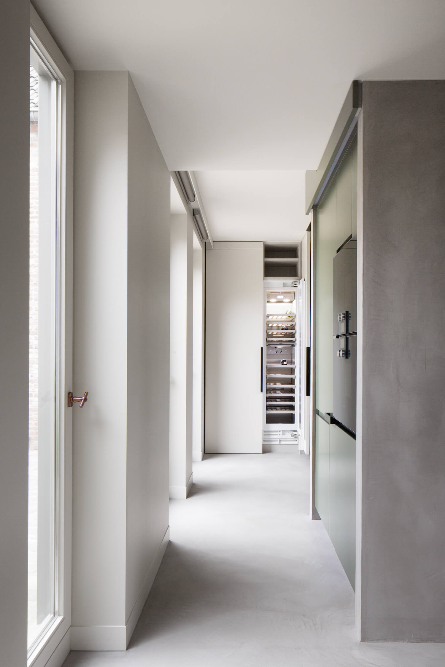est living frederic kielemoes cafeine belgian apartment 10