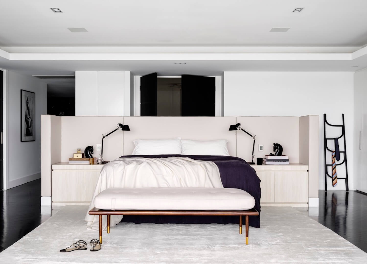 est living interiors monochrome house alwill interiors 10