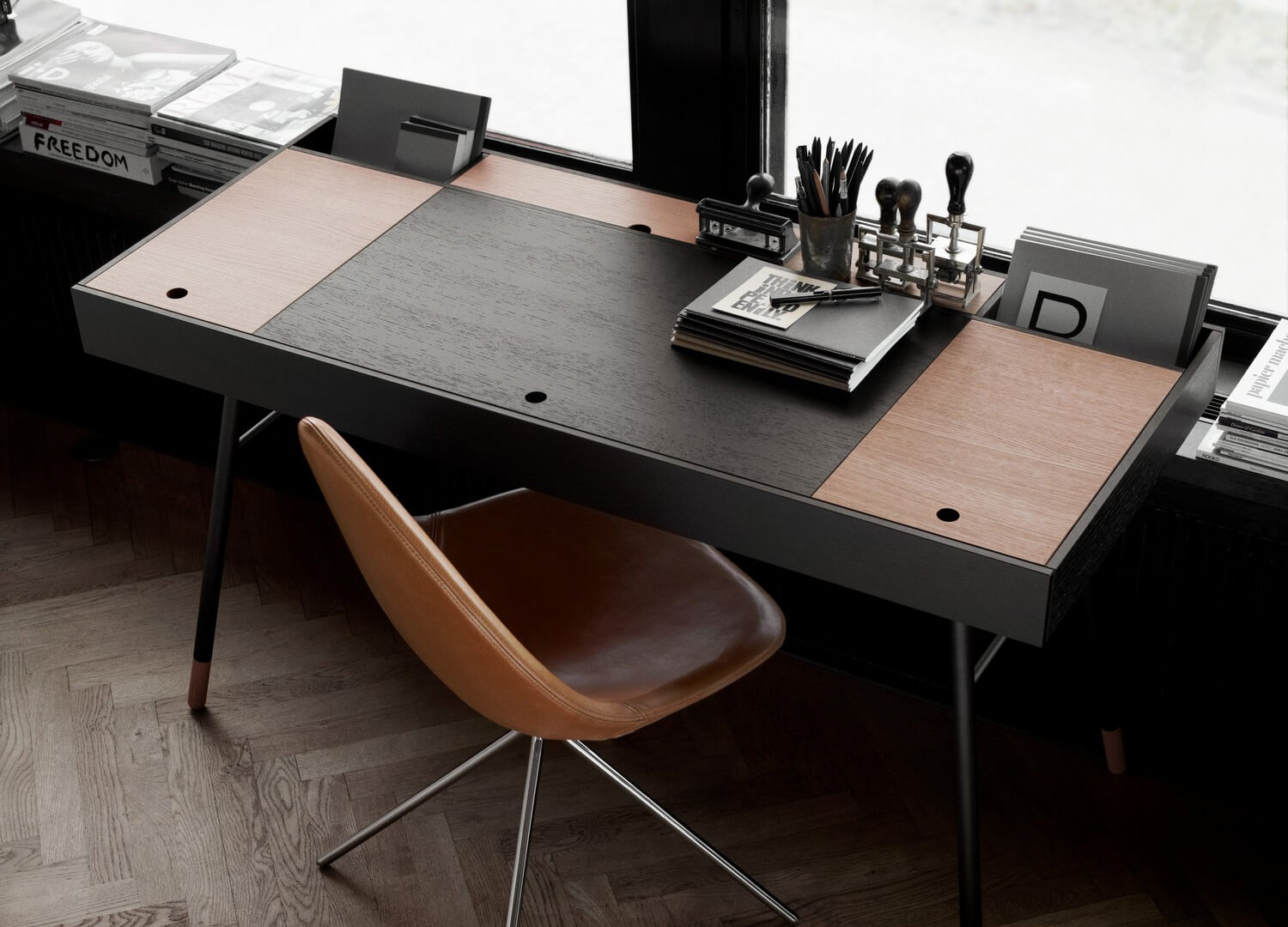 cupertino desk by boconcept est living design directory. Black Bedroom Furniture Sets. Home Design Ideas