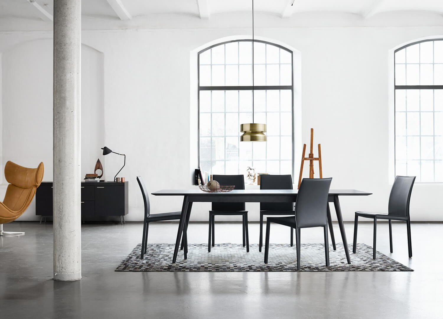 milano dining table by boconcept