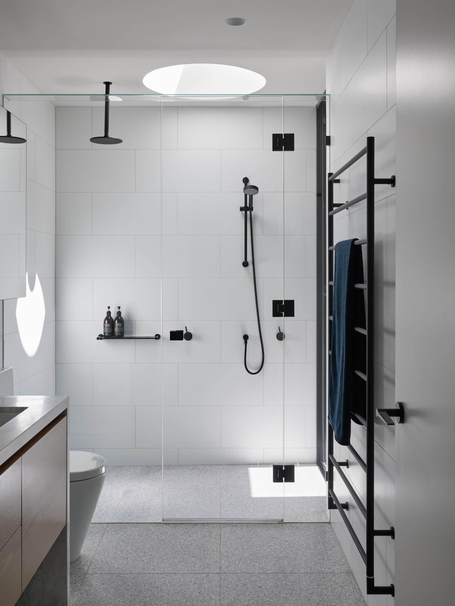 est living malvern east house pleysier perkins bathroom 7