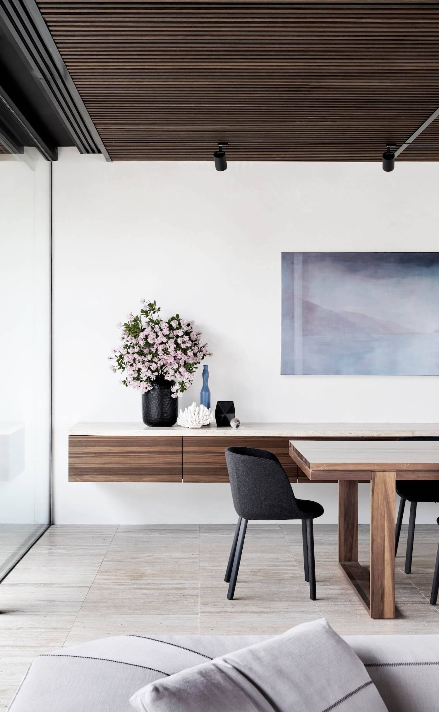 est living coy yiontis CY Harold St 0123 NOLAN HOUSE – Photographer Peter Clarke stylist Swee Lim