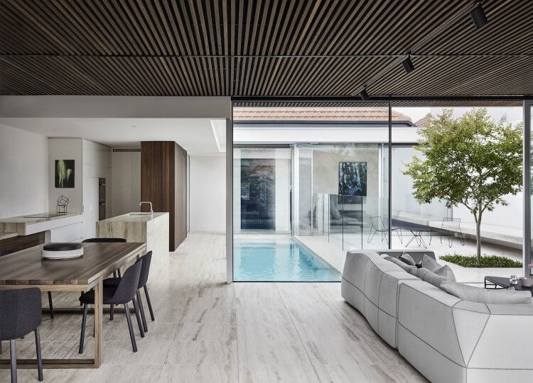 est living coy yiontis CY Harold St 0192 NOLAN HOUSE – Photographer Peter Clarke stylist Swee Lim 750x540