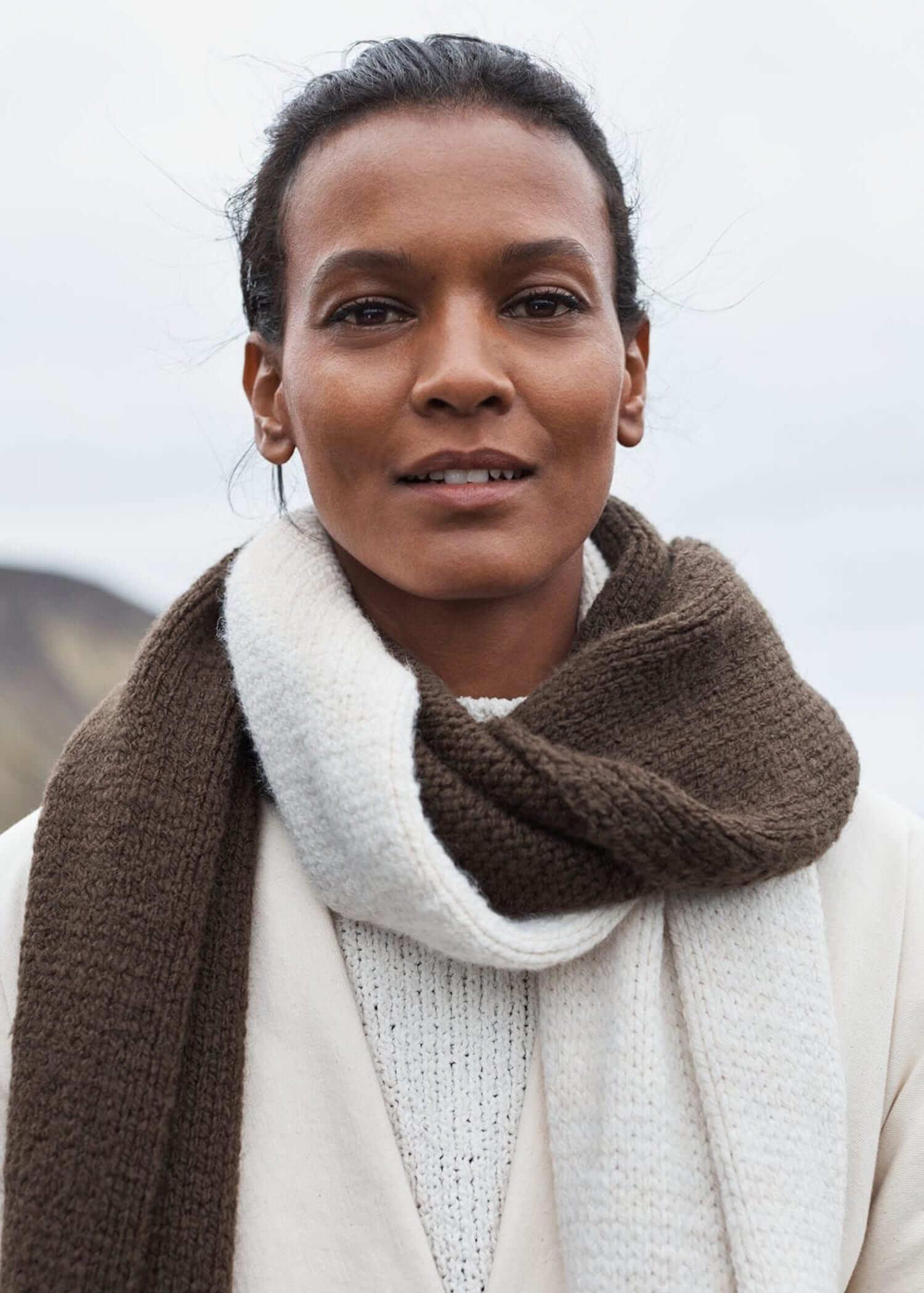 est living gifts for good MangoScarf