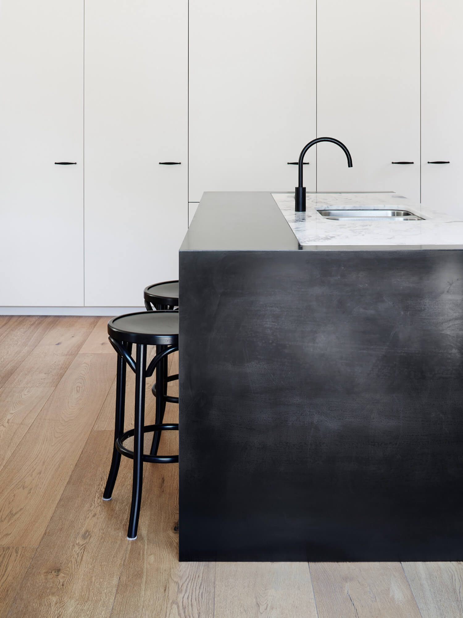 est living hawthorn residence studio wonder kitchen 12