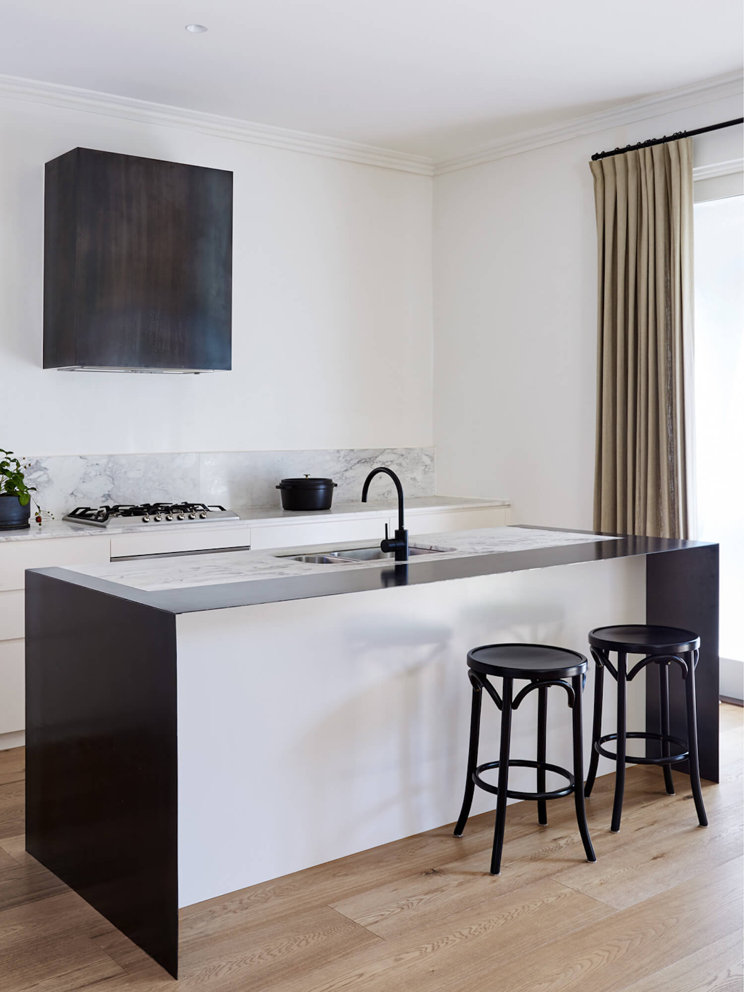 est living hawthorn residence studio wonder kitchen 6