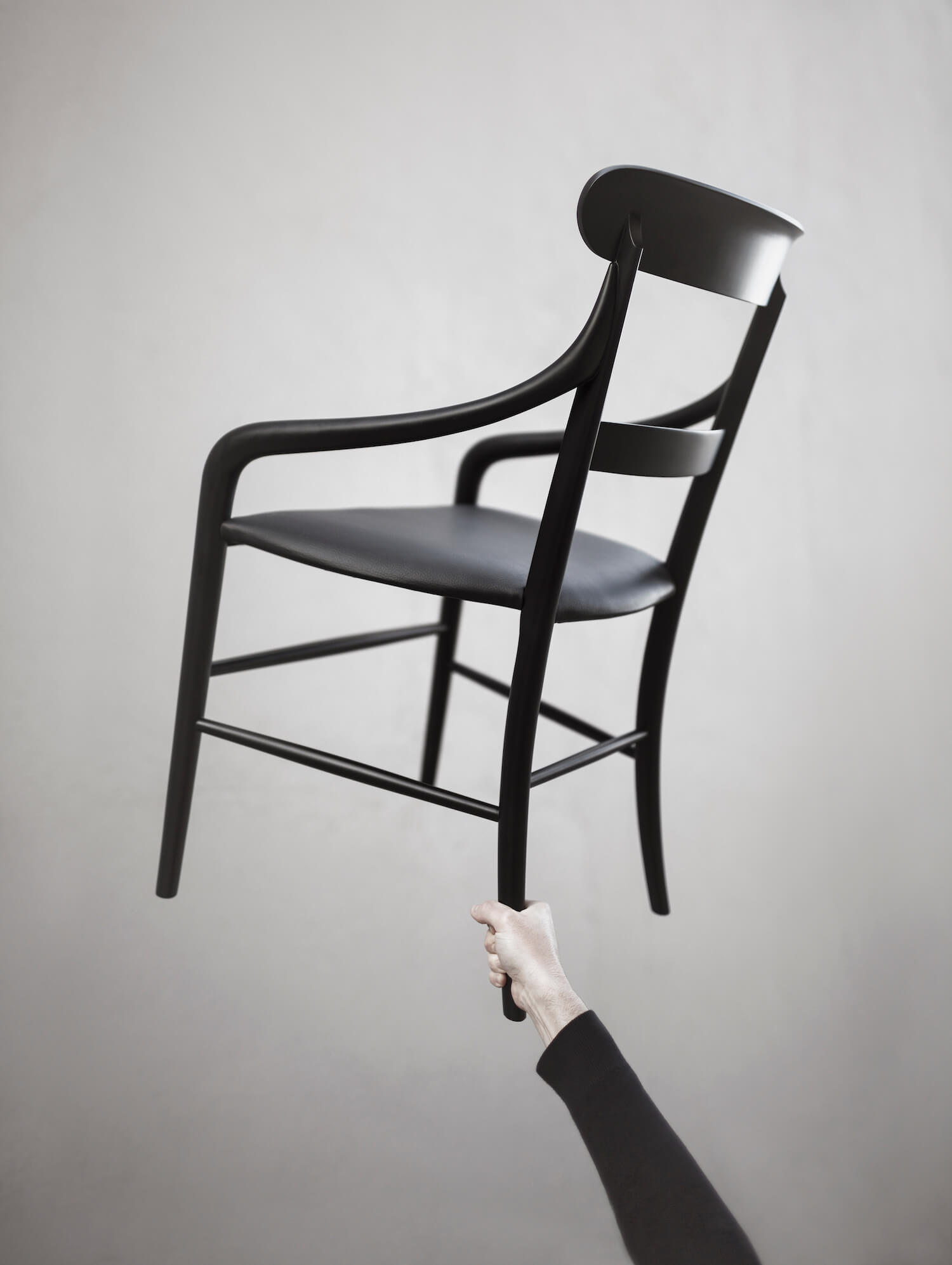 est living maison objet special report CHIAVARI CHAIR OSHIRO Photo by Alberto Strada