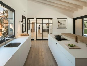 Kitchen: Oxygen House
